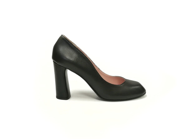 Berlin black pumps