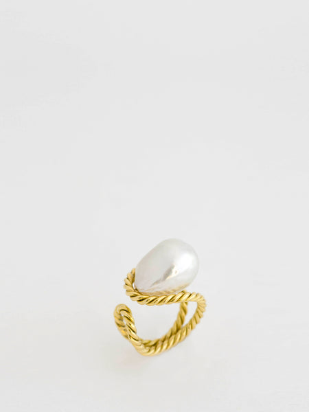 South Sea Pearl 18k Yellow Gold Ring,Haute Victoire,- Fivestory New York