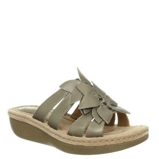 Clarks Women's Amaya Lilly Sandal - Platinum 63813 - ShoeShackOnline