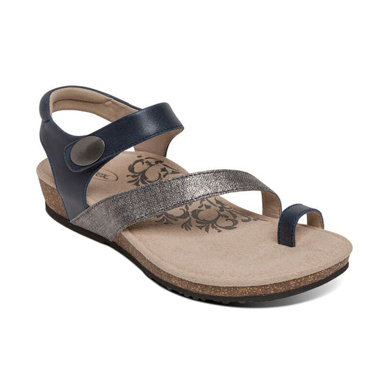 Aetrex Women's Georgia Toe Loop Sandal - Black SC715W - ShoeShackOnline