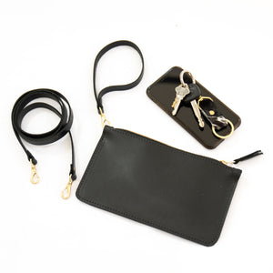 ESSENTIALS WRISTLET