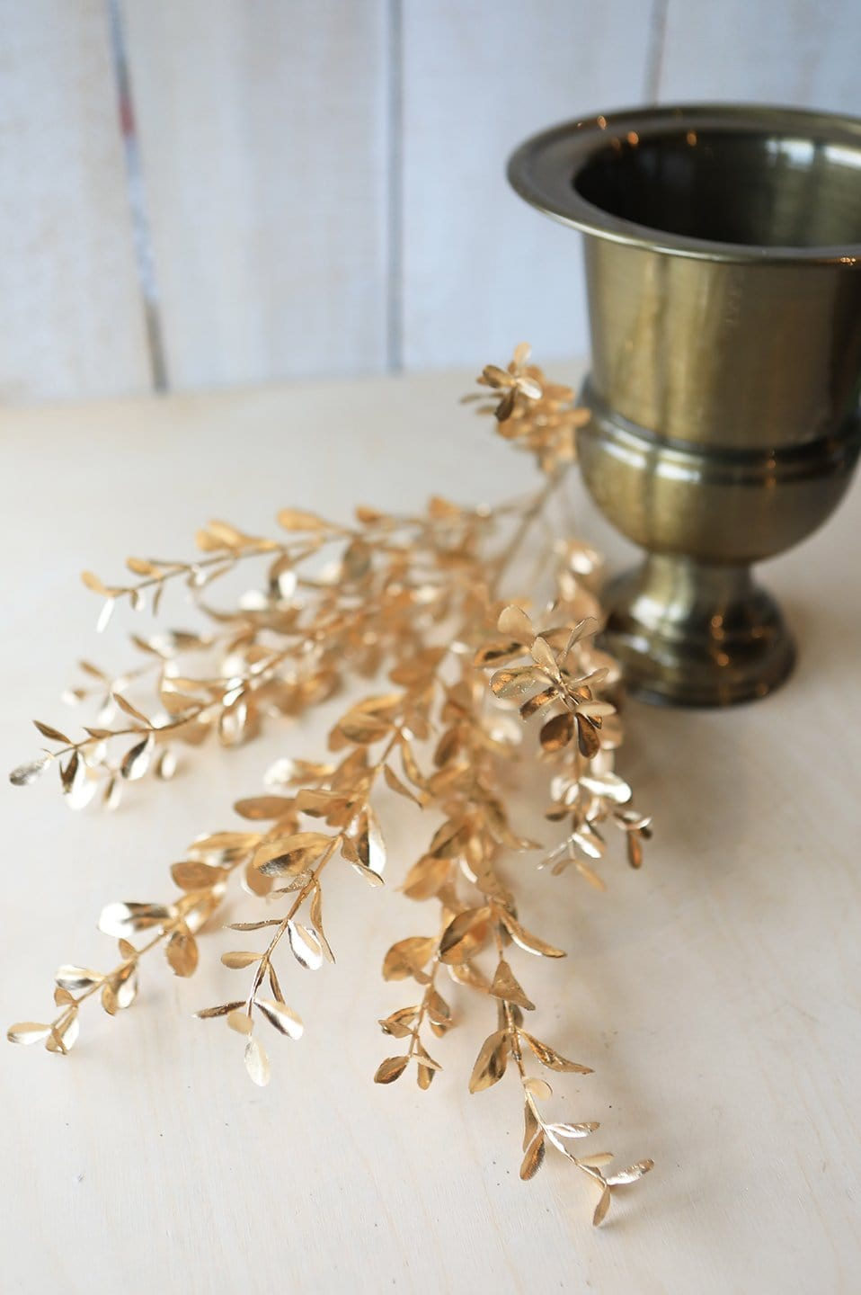 "24"" Glittered Gold Boxwood Spray"
