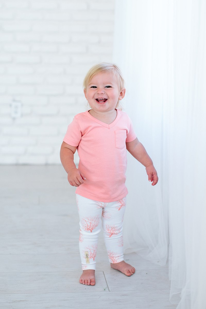 V-Neck T-Shirt Organic Cotton - Coral (6-9 Months)
