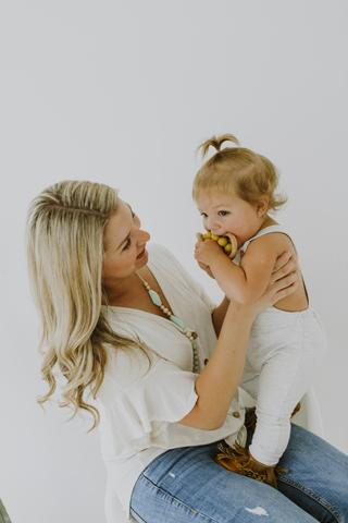 THE EMMA - SILICONE TEETHING NECKLACE