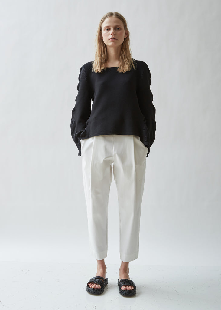 Arch Circle Knit Long Sleeve Top