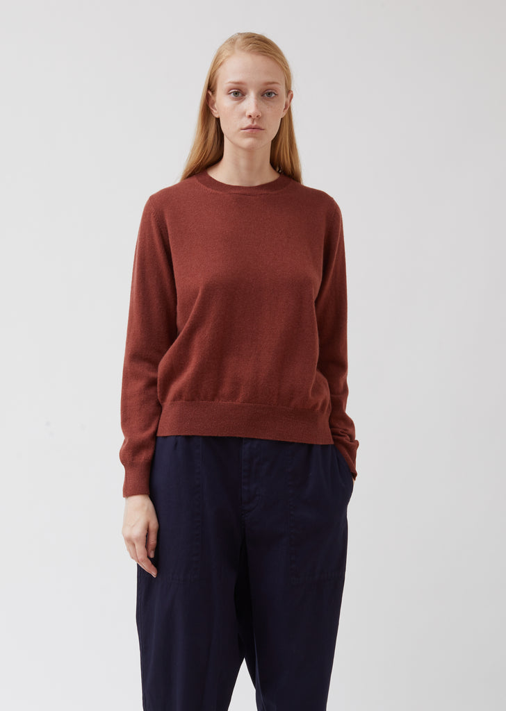 Simple Crew Neck Cashmere Sweater