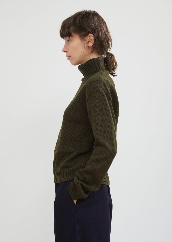 Ridge Pattern Cropped Turtleneck