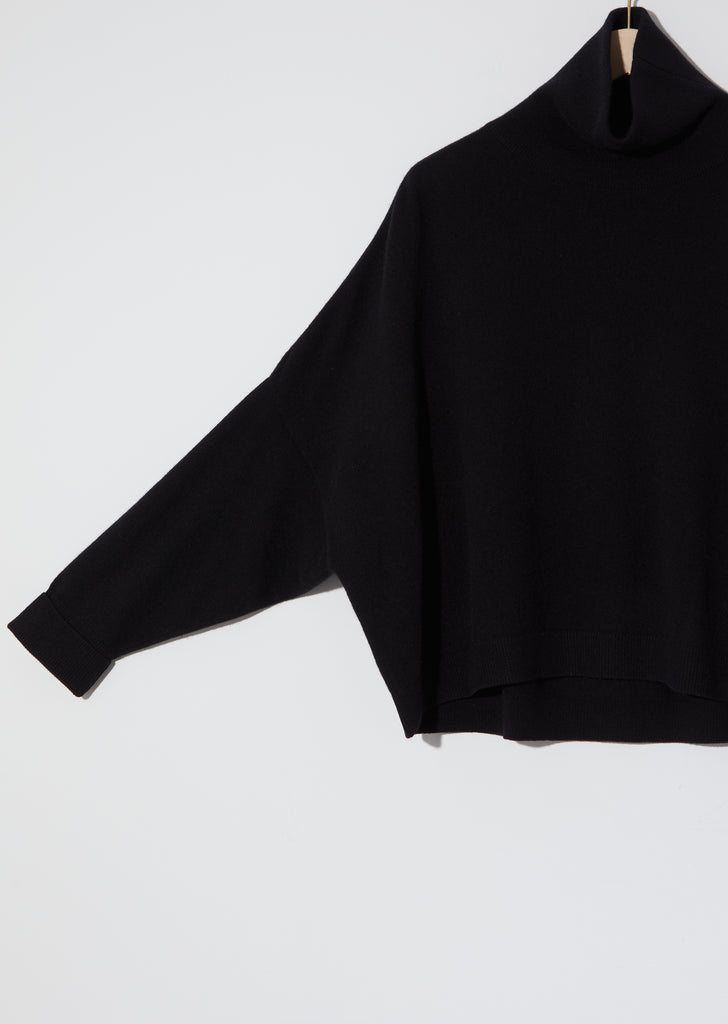 Turtleneck Chunky Sweater — Black