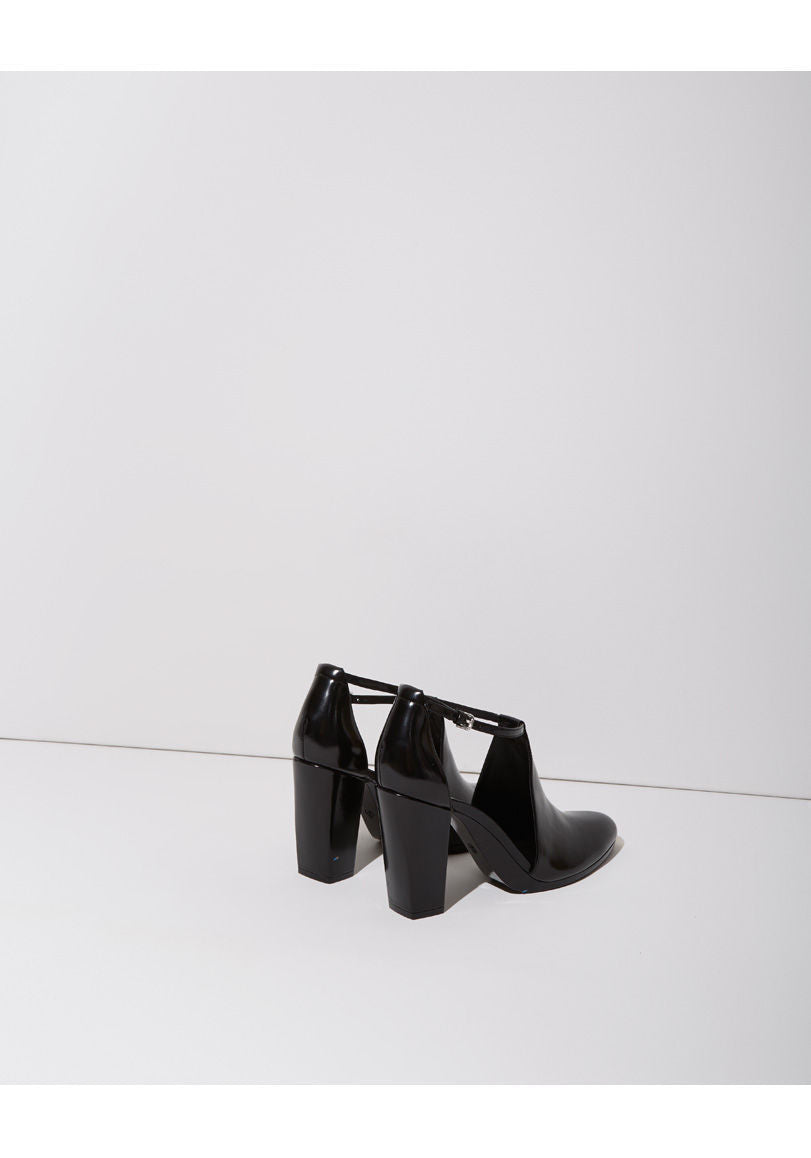 Plume Cut-Out Bootie