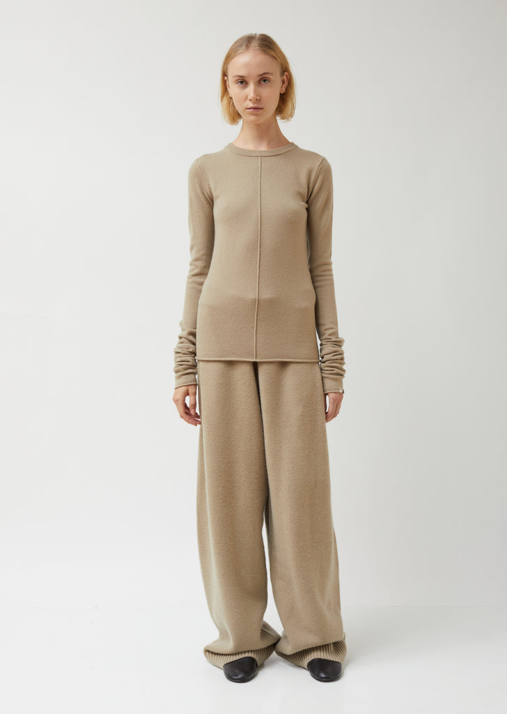 Basic Round Neck Center Front Seam Cashmere Sweater