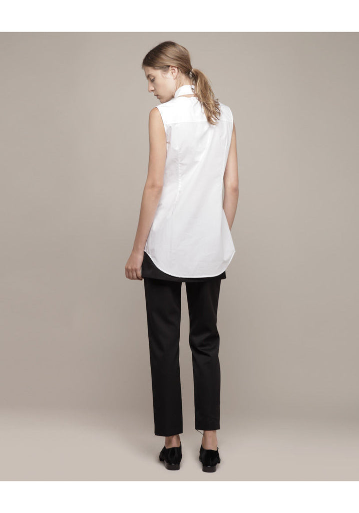 Pleat Front Sleeveless Oxford