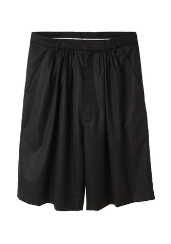 Pleated Bermuda Short