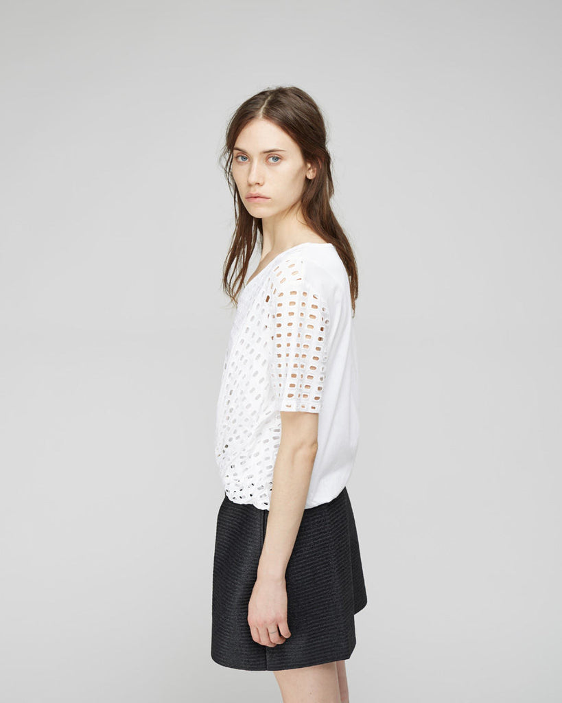 Lattice Knotted Top