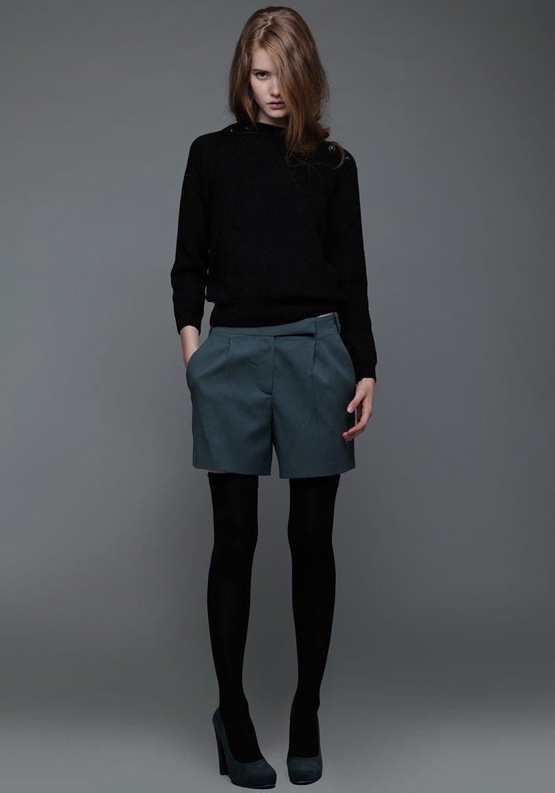 Light Gabardine Short