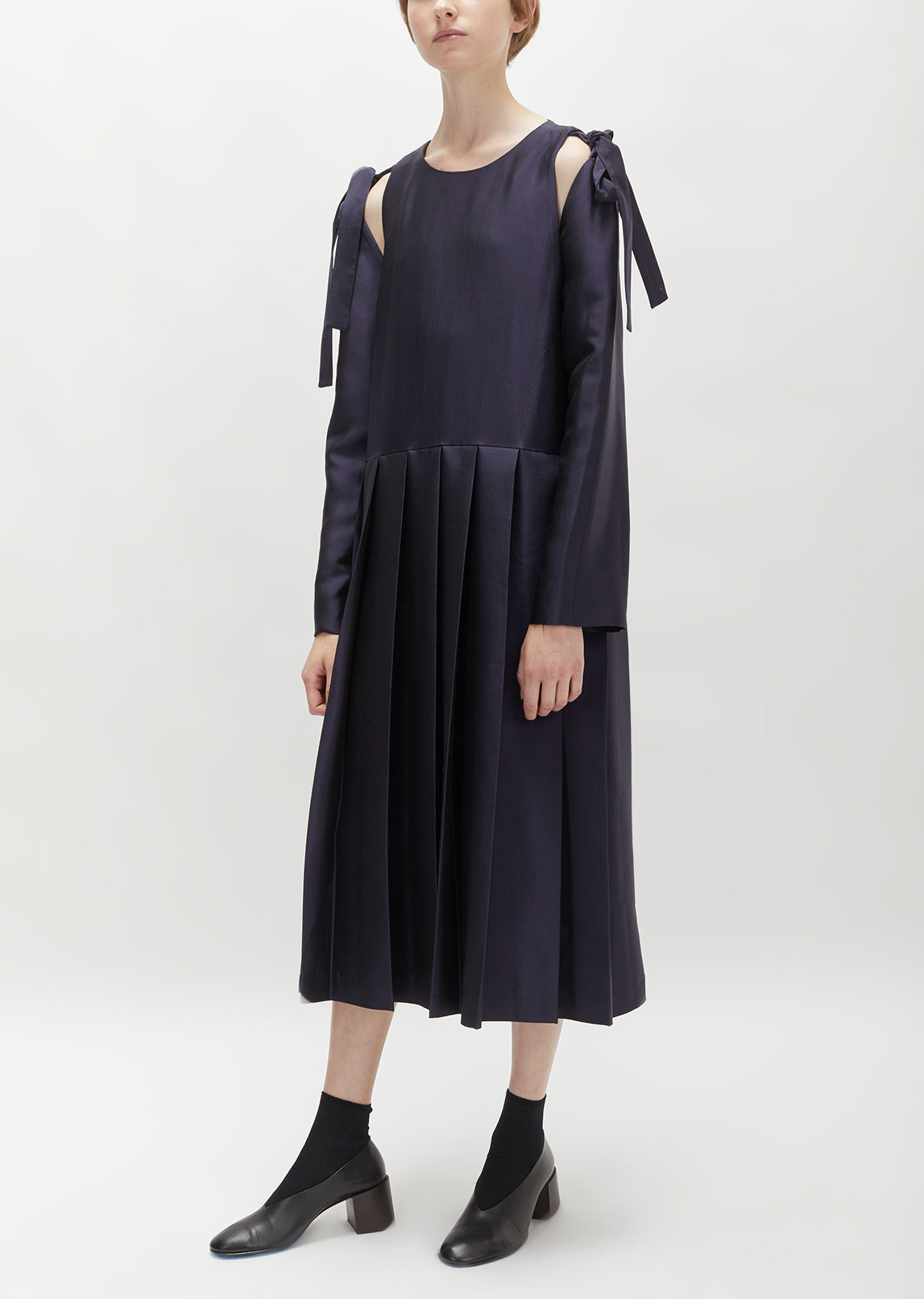 Shoulder Tie Pleated Dress