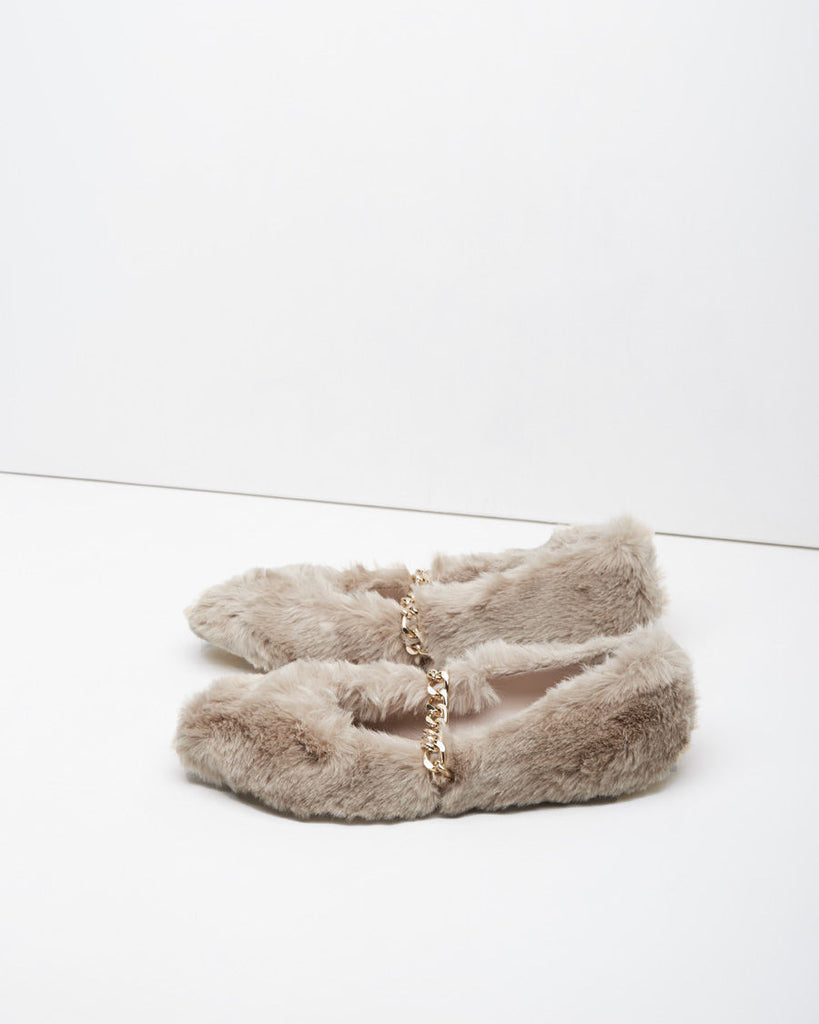 Furry Chain Strap Flat