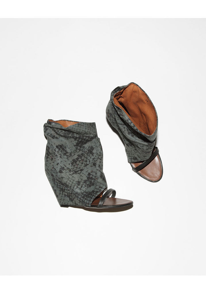 Yoyo Wedge Boot