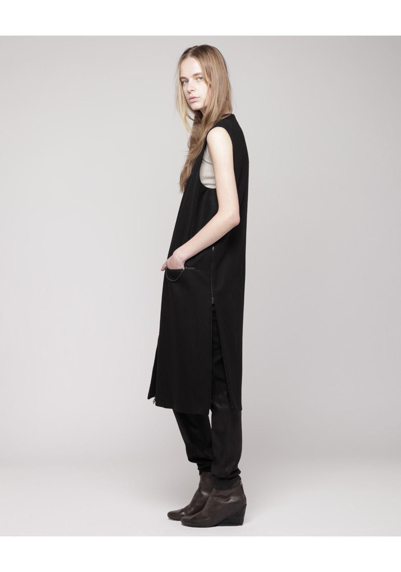 Long Zipped Vest