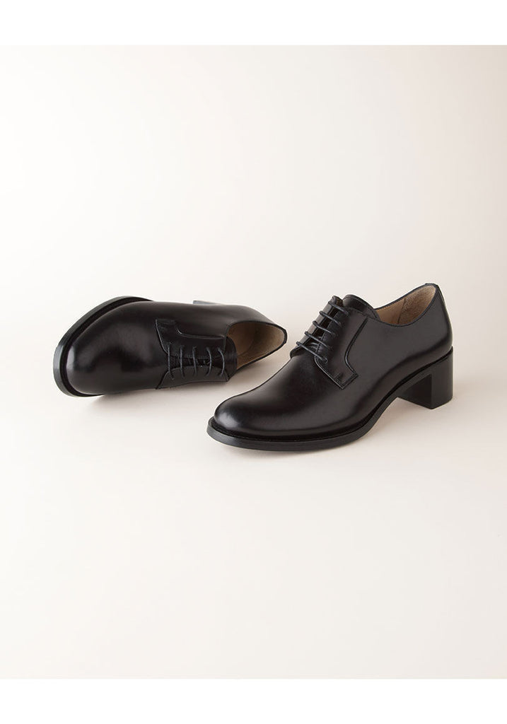 Lace-Up Oxford Heel
