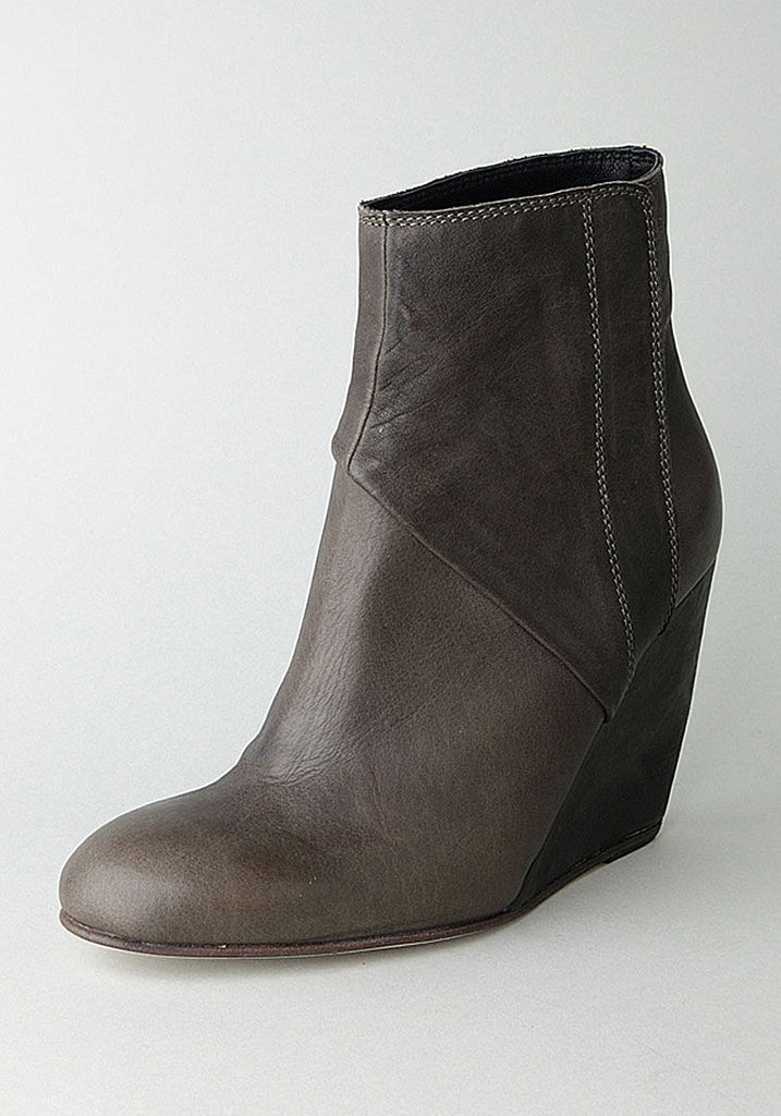 The Pilgrim Wedge Boot