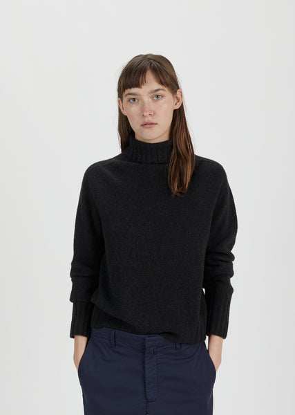 Wide Rollneck Cashmere Sweater