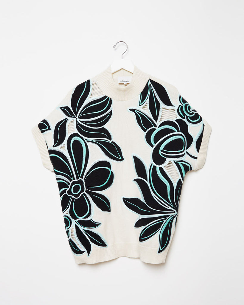 Floral Embroidered Short Sleeve Pullover