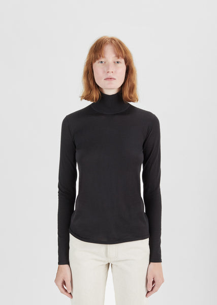 Lightweight Turtleneck