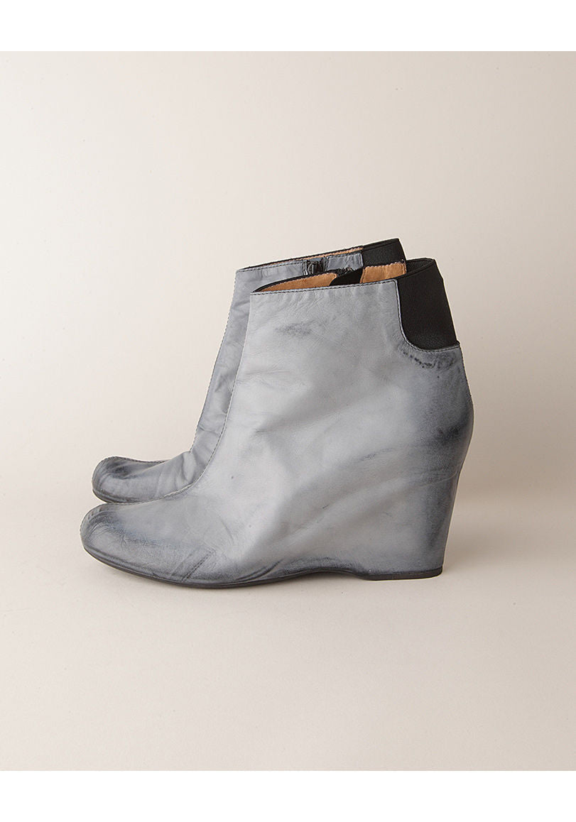Brushed-Effect Boot