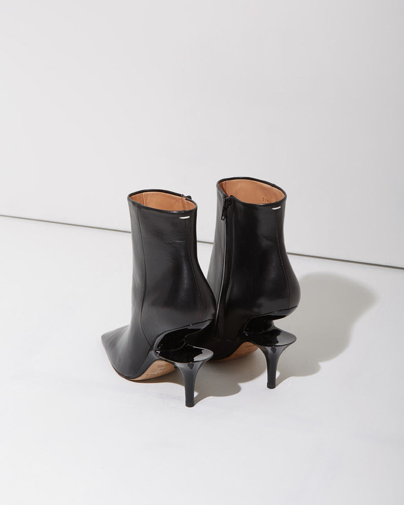 Suspended Heel Boot