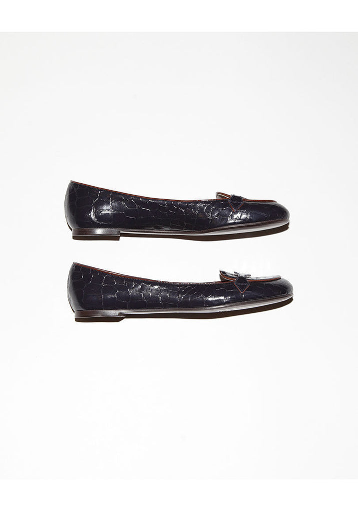 Crocodile Embossed Flat