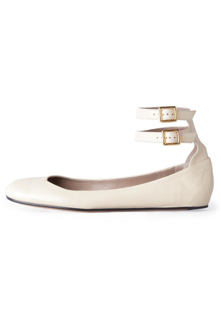 Flat w/ Double Ankle Strap