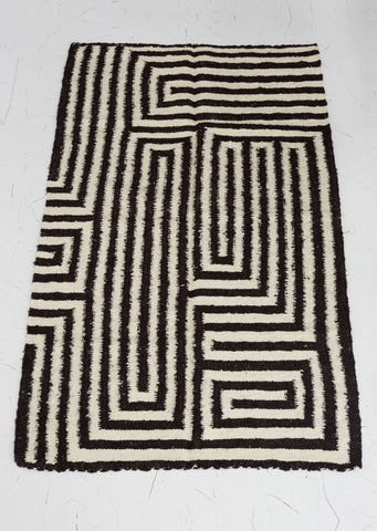Labirinto Black Geometric Wool Rug