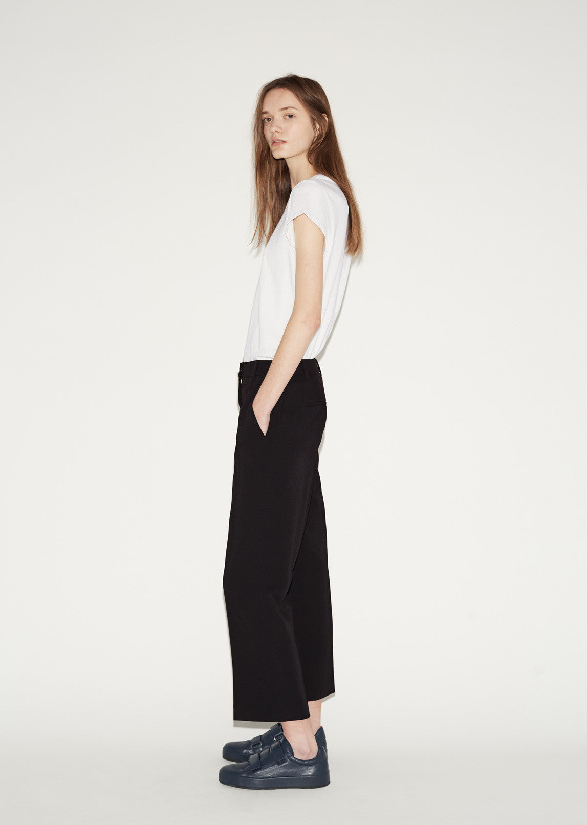 Front Pleat Crop Trousers