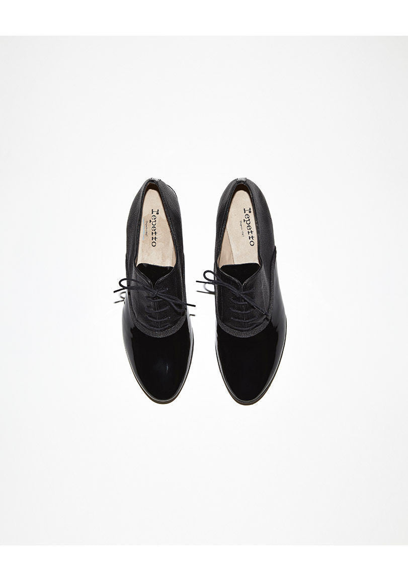 Tobias Oxford with Heel