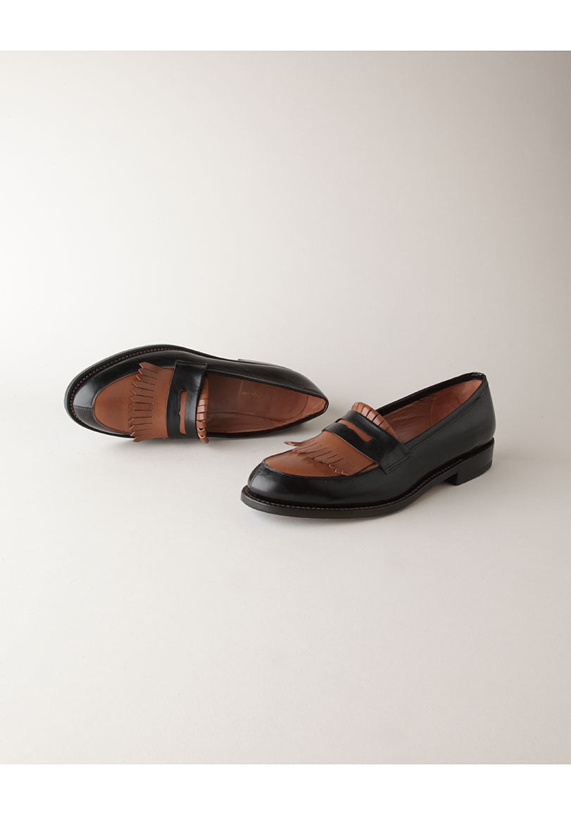 Reveur Penny Loafer