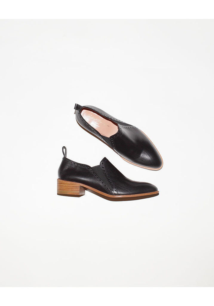 Xizzy Slip-On Oxford