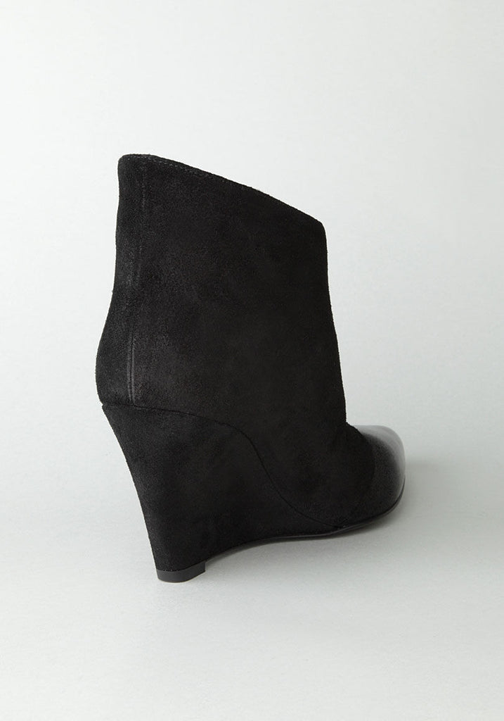 Dipped Wedge Boot