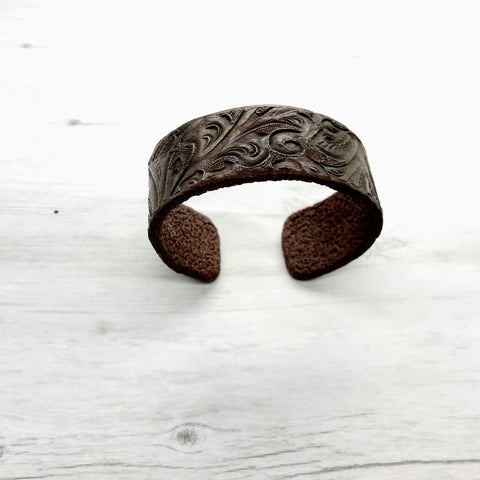 Tooled Cuff, Medium