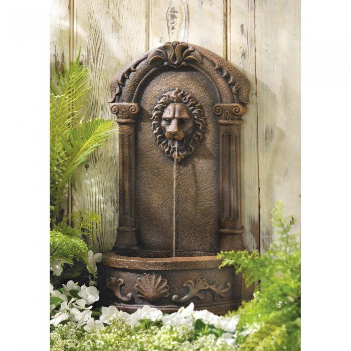 Lion's Head Courtyard Fountain - Giftspiration