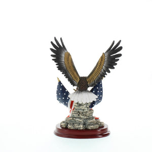 Patriotic Eagle Statue Sculpture - Giftspiration