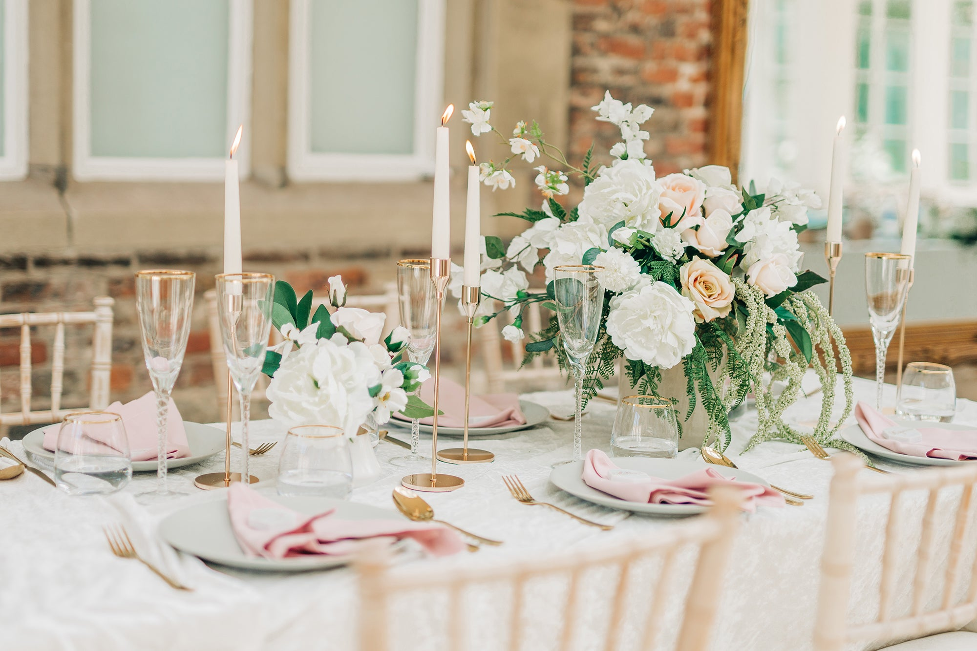 modern luxe wedding table decoration