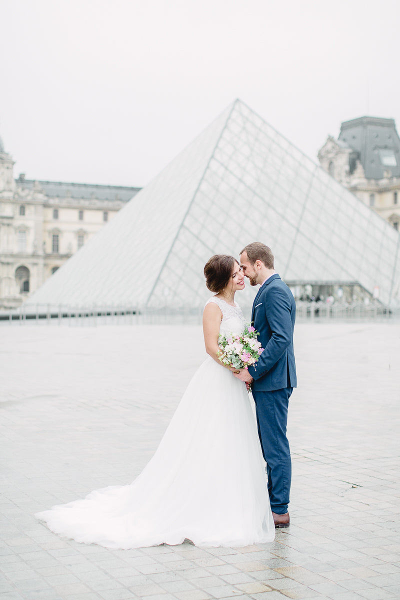 wedding couple in Paris