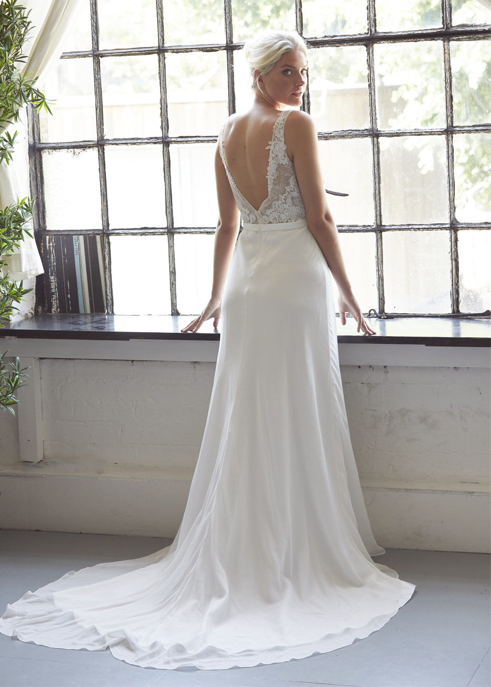 Chiffon Wedding Dress with a See-through Lace Bodice – Aneberry