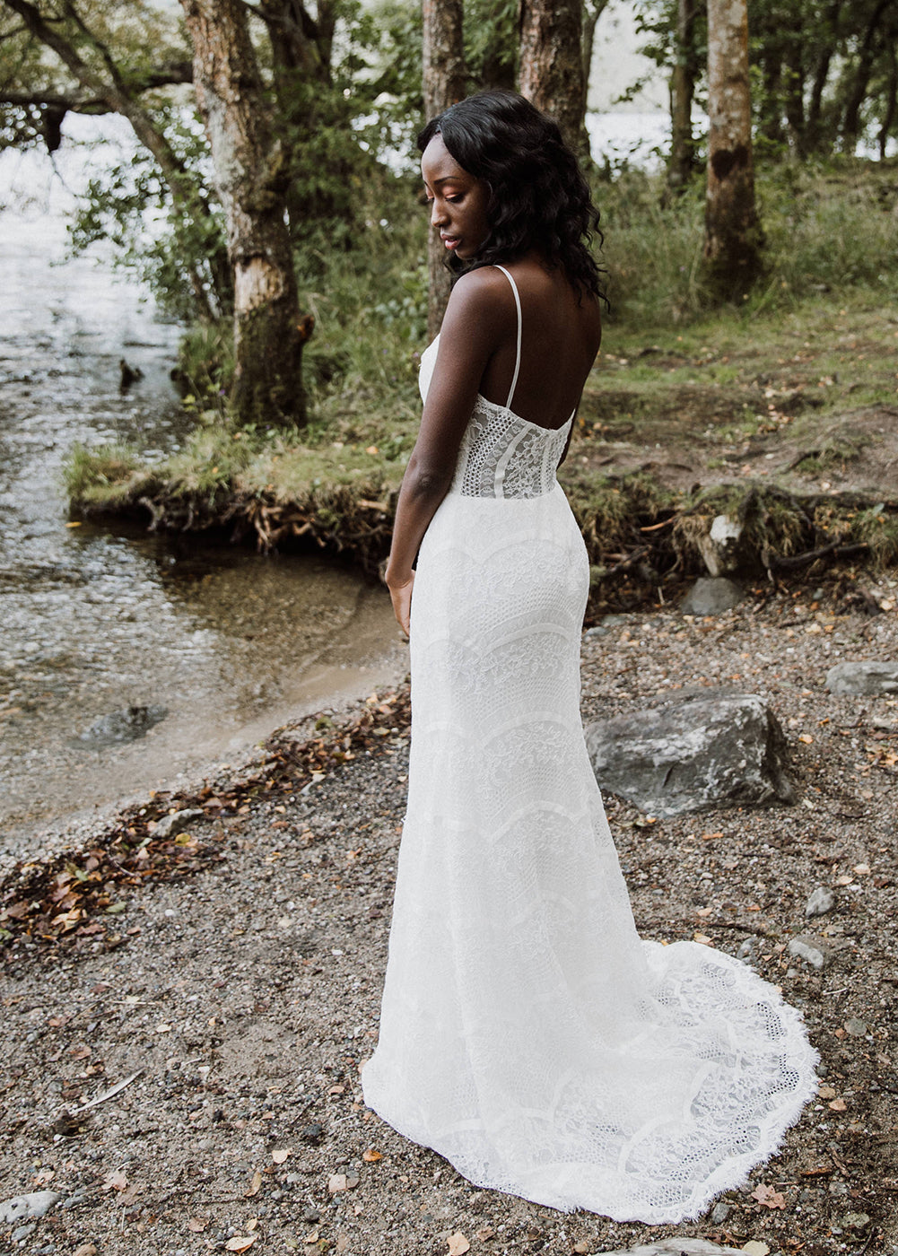 Wavy French Lace Wedding Dress