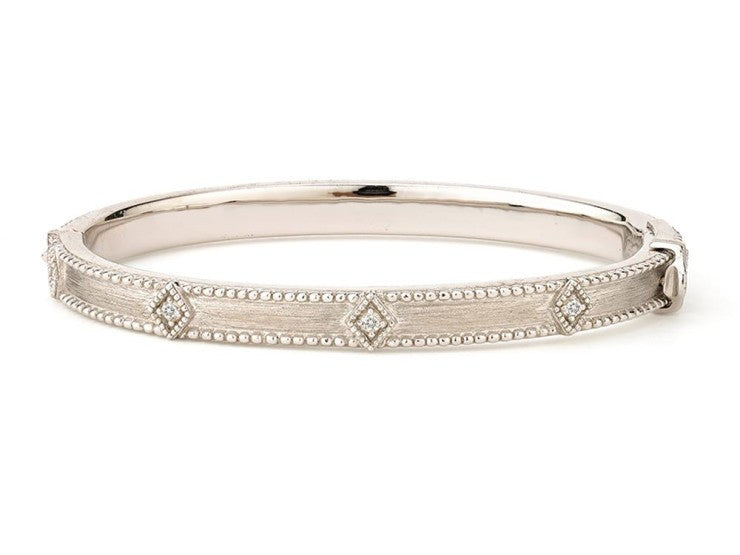 Encore Lisse Simple Kite Shape Bangle