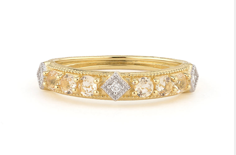 lisse band with diamonds