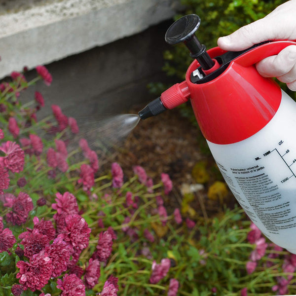 chapin 1002 48 ounce multi-purpose compression sprayer in use flowers - rocky mountain bioag
