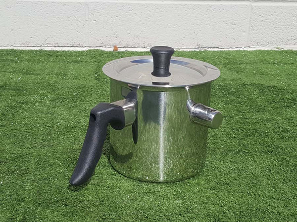 Wax melter pot with water jacket