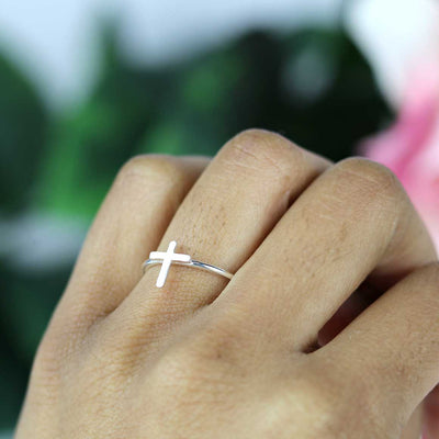 Dainty Cross Ring - Silver