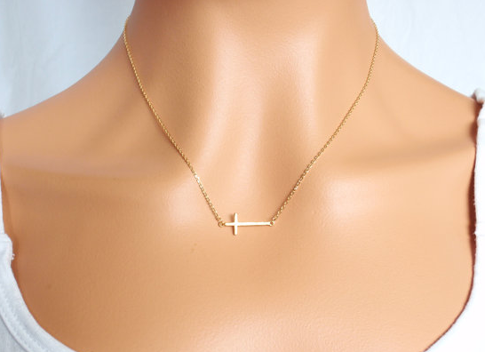 Gold-Plated Side Cross Necklace - StyleBun